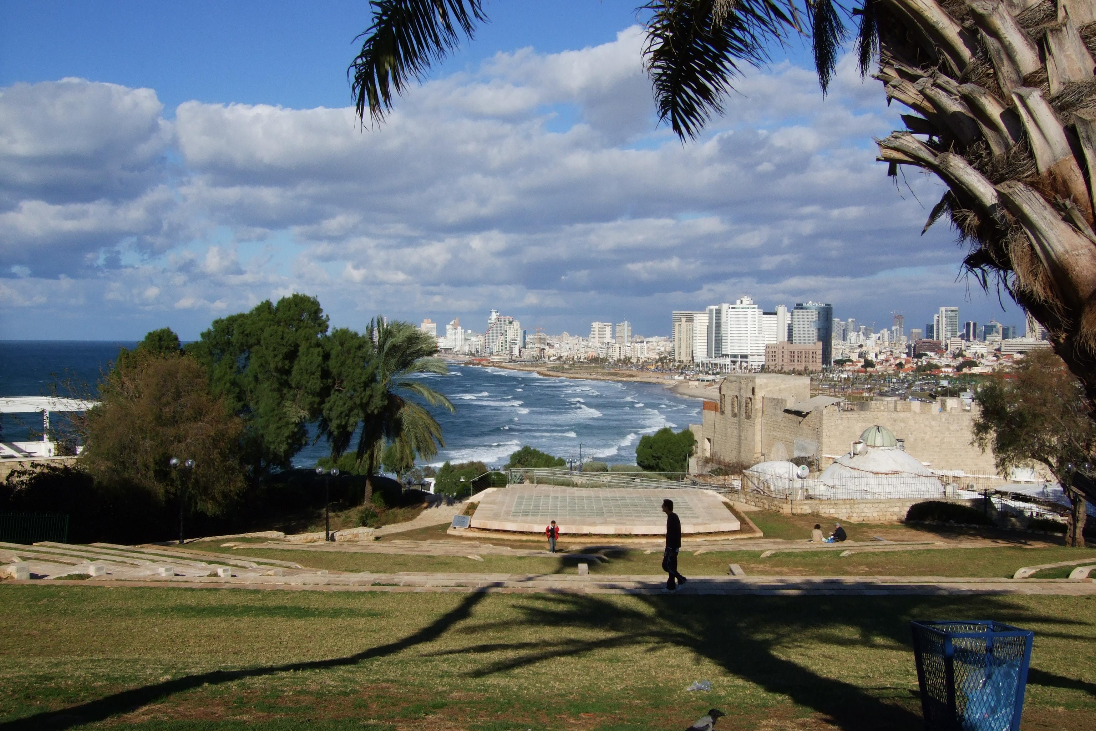 Luca Errera, Daniela Trastulli, Israele, Tel Aviv, lungomare